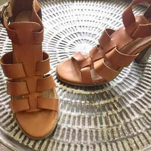 Report heels sandals tan leather Sz 8.5 Good Cond